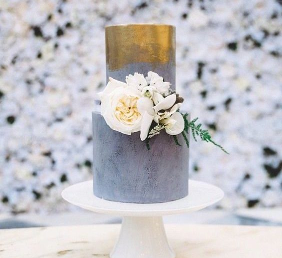 Modern Gray and Gold Wedding Inspiration. For more wedding color ideas, visit burghbrides.com!