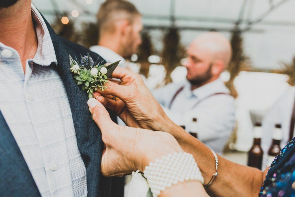 Elegant Greenhouse Pittsburgh Wedding at Simmons Farm. For more wedding inspiration, visit burghbrides.com!