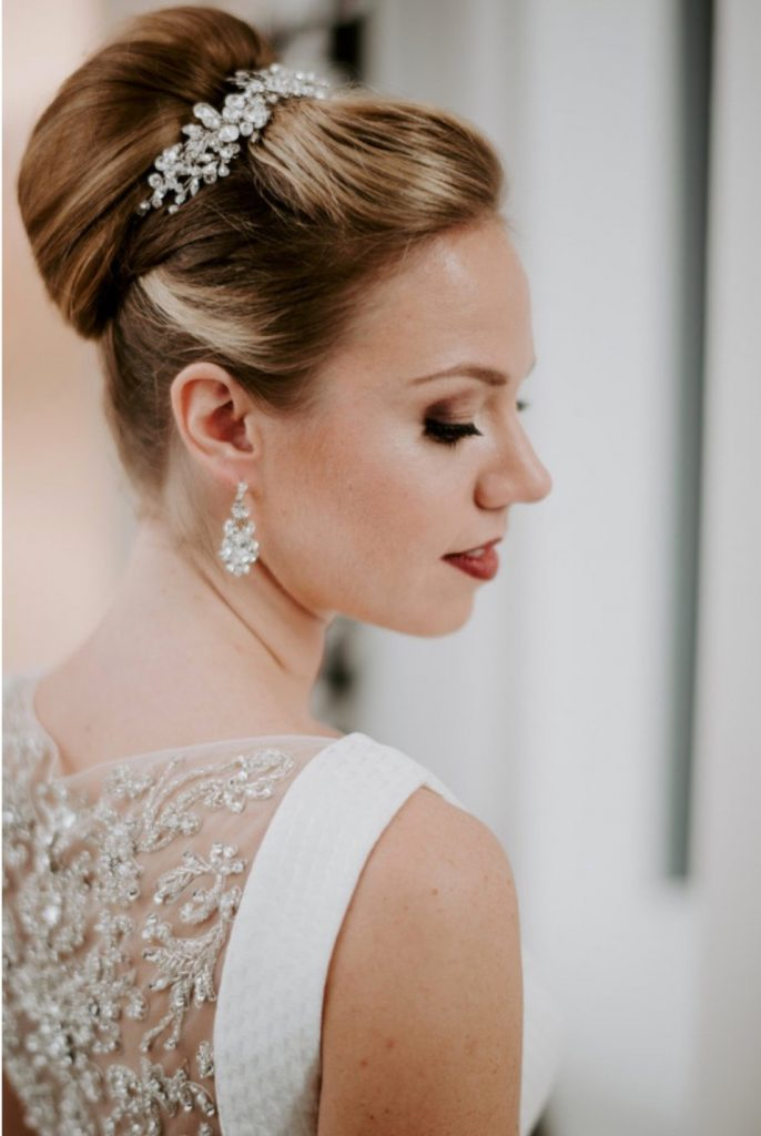 Airbrush vs. Traditional Foundation: What Brides Need to Know