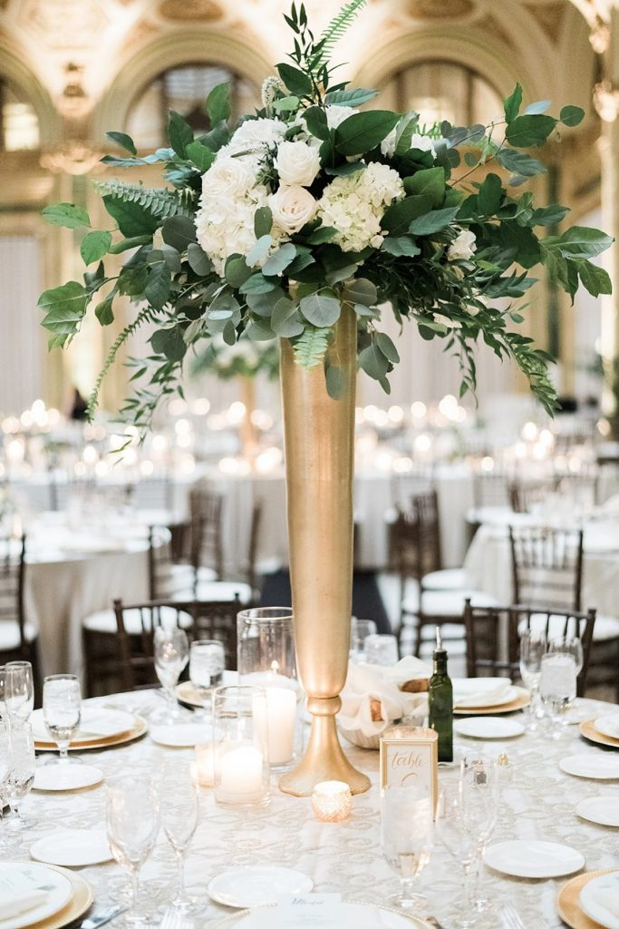 Pittsburgh Wedding Flowers That'll Make Your Jaw Drop. For more wedding flowers inspiration, visit burghbrides.com!