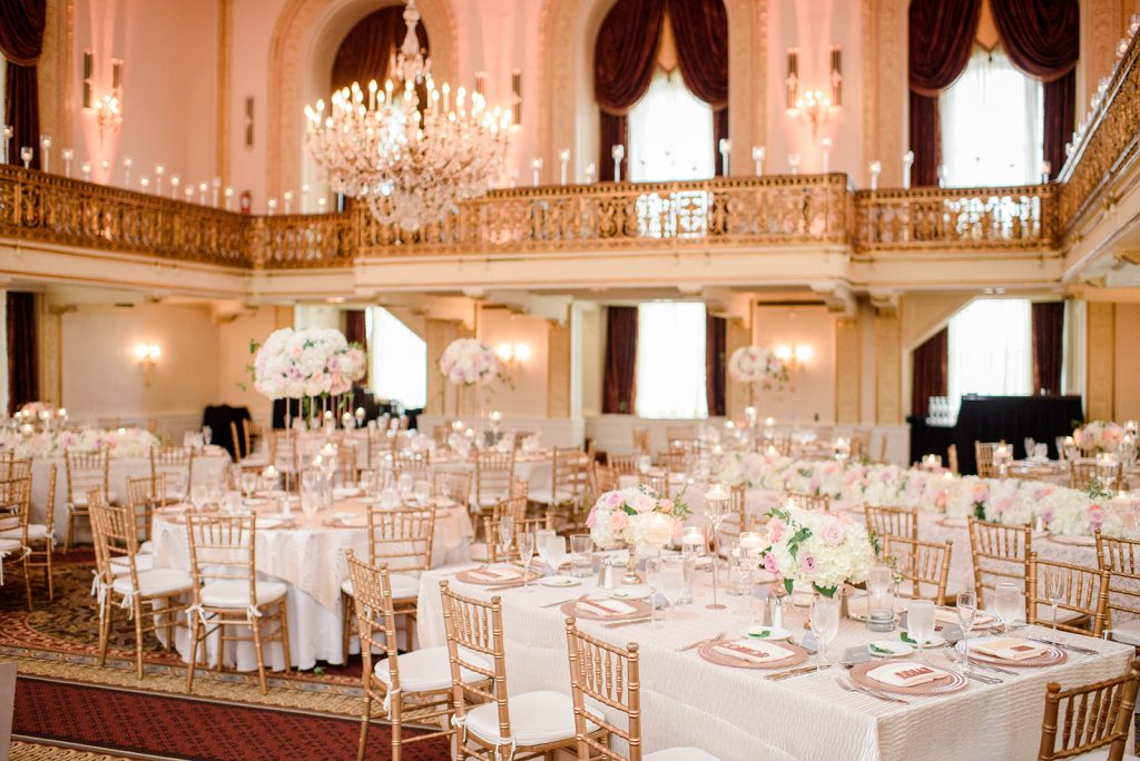 Save on Your Pittsburgh Wedding with These Thanksgiving Weekend Deals!